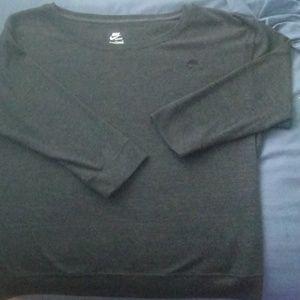 Nike Womens 3/4 Grey Shirt